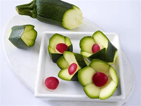 Salat Dekorieren by Gem 252 Se Schnitzen Deko Zum Vernaschen Aus Tomaten M 246 Hren