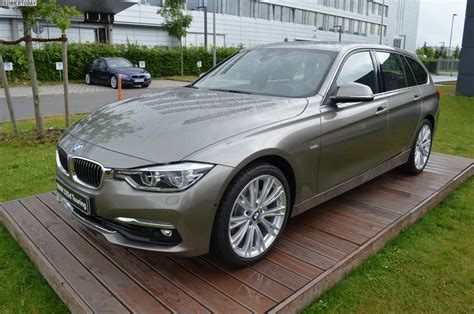 Line Bmw by Bmw 320d Touring Facelift 3er Mit Luxury Line In Platinsilber