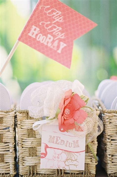 Beach Wedding Flip Flops for Guests ? Beach Wedding Tips