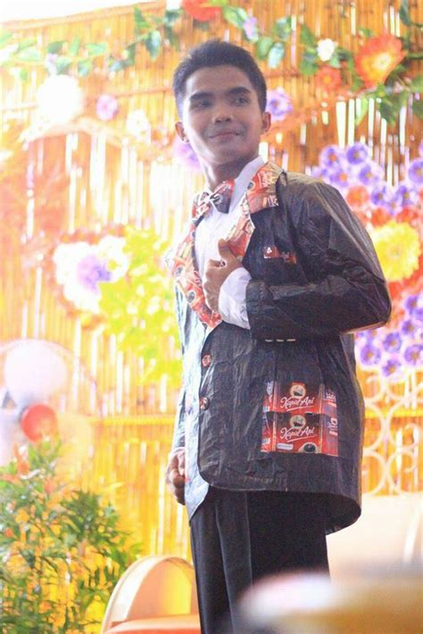 Baju Daur Ulang Dari Bungkus Kopi pernikahan daur ulang ini banjir pujian netizen dekorasi pakai ban baju pengantin dari