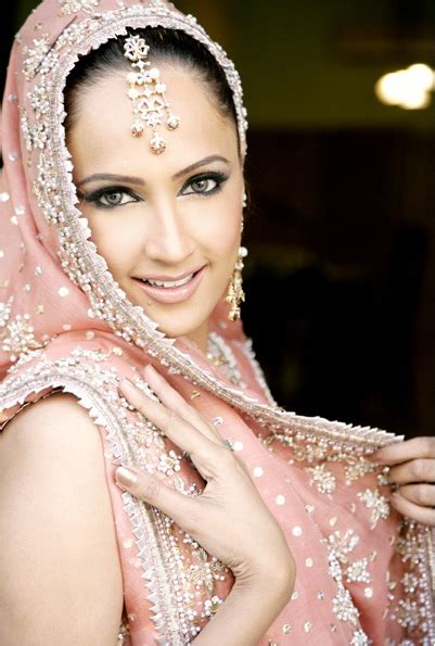 Kashees Beauty Parlour Services And Makeup Charges | kashee s beauty parlour bridal makeup charges makeup