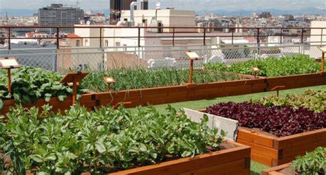 imagenes de jardines urbanos huertos urbanos jardines comestibles ciudades