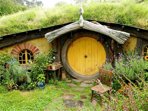 pictures of hobbit houses hobbit houses beautiful designing xcitefun net