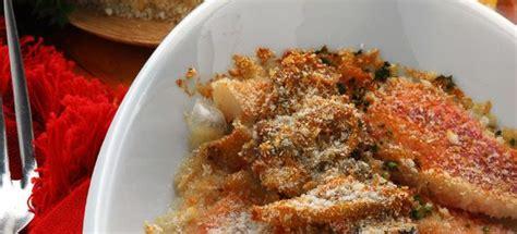 cucinare triglie al forno ricetta triglie al forno e acciughe cucinarepesce