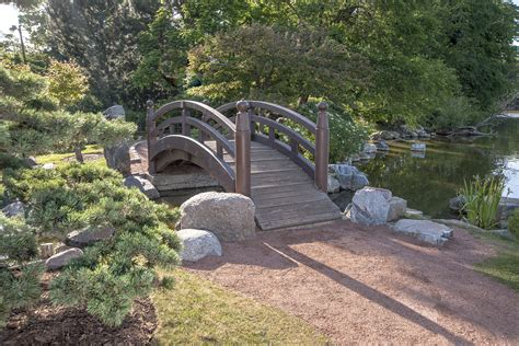 Garden Footbridge | build wooden arched garden footbridge woodworking plan