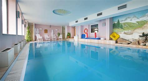 hotel con piscina interna hotel livigno con piscina coperta hotel bucaneve