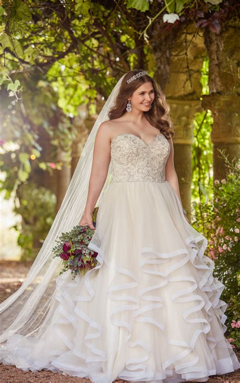 princess ball gown  size wedding dress  sweetheart
