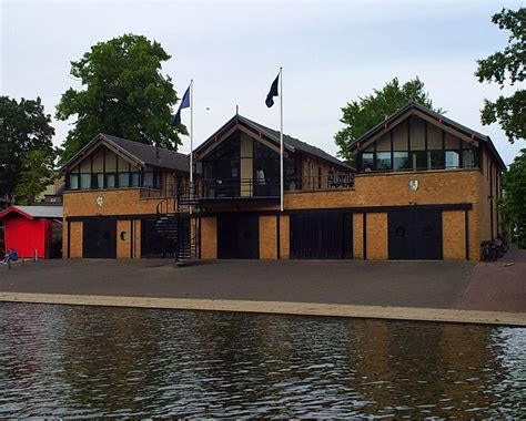 cambridge boat house file cambridge boathouses queens 2 jpg wikimedia commons