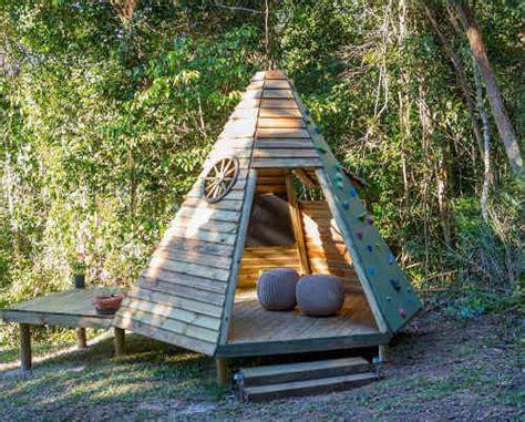 Fabriquer Une Cabane En Bois Pour Enfant by Plan Cabane Enfant 15 Cabanes 224 Construire Soi M 234 Me