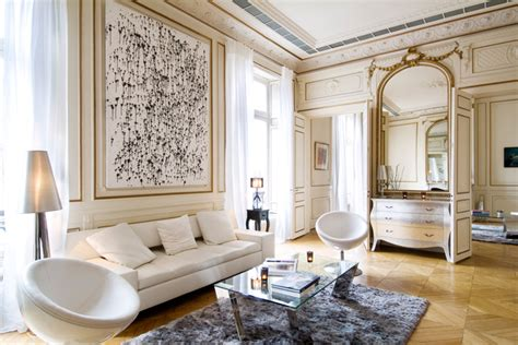 the interiors of the parisian apartments eye for design decorating paris apartment style a