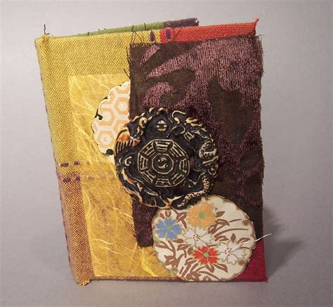 Handmade Photo Books - brown circle book 187 kater s and writing