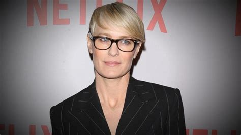 house of cards ster how house of cards star robin wright negotiated equal pay video abc news