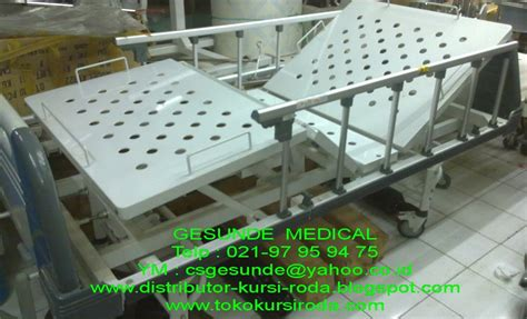 Ranjang Pasien Bekas ranjang rumah sakit supramak bed second 3 crank manual abs hospital bed toko medis jual alat