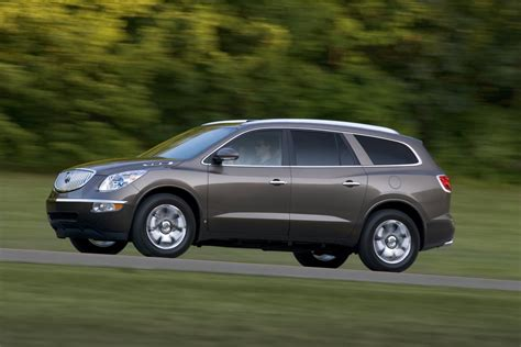 2011 buick enclave information and photos momentcar 2011 buick enclave features rollover prediction technology