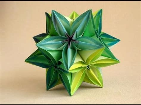 Origami Carambola Flowers - kusudama de carambolas