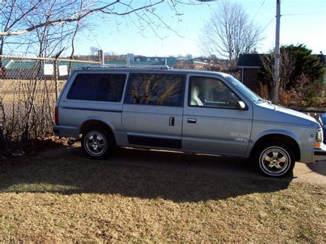 89 plymouth voyager scottmanship85 1989 plymouth voyager specs photos