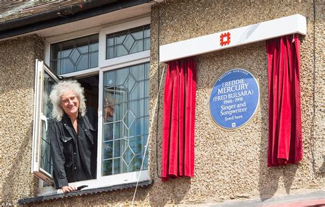 bandmate brian may unveils blue plaque at freddie