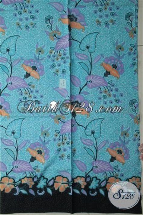 Batik Dress Bunga Biru kain batik warna biru muda berpadu motif bunga modern
