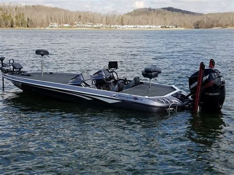 phoenix vs legend boats 231 best images about bass boats on pinterest legends