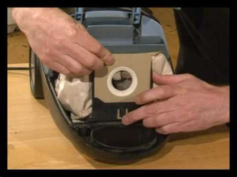 Nilfisk Staubsauger 3105 how to change vacuum bags on your vacuum cleaner