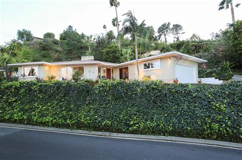 a small mid century modern house in hollywood richard the metz house