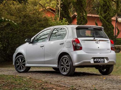 Toyota Liva On Road Price In Bangalore 2016 Toyota Etios Liva Launched In Bangalore Prices Start