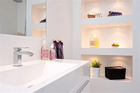 Wonderful Salle De Bain Beige Blanc  #6: Niche-decoratif-dans-salle-de-bains.jpg