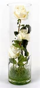 vase illusion d eau roses blanches fleur artificielle 40cm