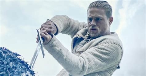 se filmer king arthur legend of the sword le roi arthur charlie hunnam et la l 233 gende d excalibur