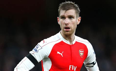 arsenal captain arsenal captain mertesacker all smiles as rehab on knee