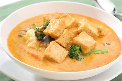 vegetarian thai massaman curry recipe by archana s kitchen simple recipes cooking ideas