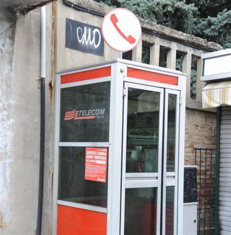 cabina telefonica telecom eco di biella cabine telefoniche telecom le smantella