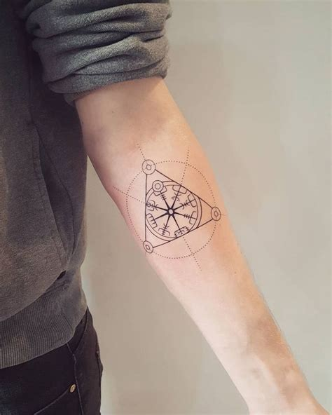 simple compass tattoo designs simple compass tattoos pictures to pin on