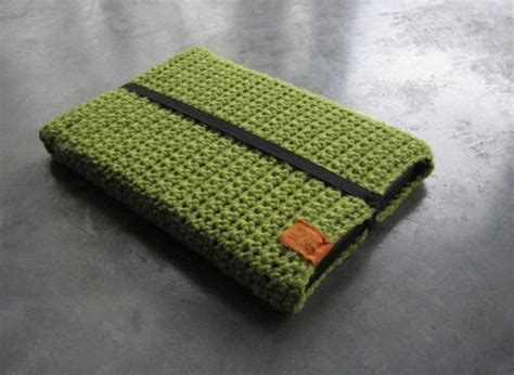 how to knit a laptop sleeve 80 creative ways to customize your macbook webdesigner depot