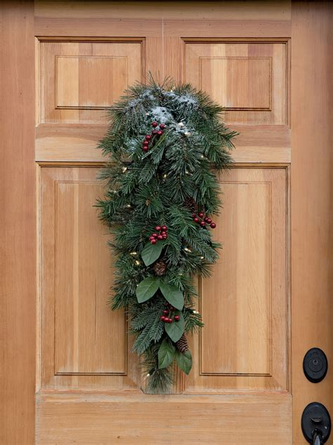 christmas door swag windsor pre lit door teardrop