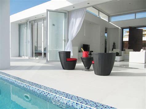 design house curacao vila curacao običajna sodobna hiša ki se nahaja na robu