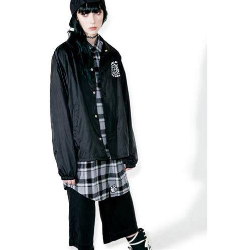 Jaket Distro Rebel rebel8 worldwide distro coaches jacket dolls kill
