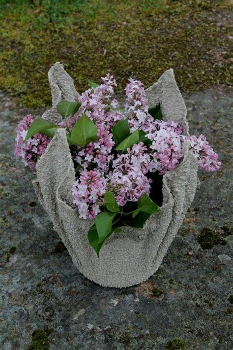 Fabriquer Pot De Fleur En Ciment by Cache Pot Ciment 224 Fabriquer Soi M 234 Me En Utilisant Une