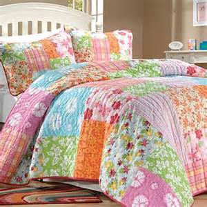 aloha tropical quilt bedding collection quilts