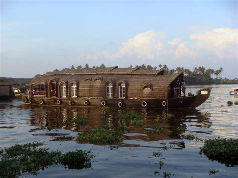 kerala kottayam houseboat kerala backwaters the best way to explore kerala s