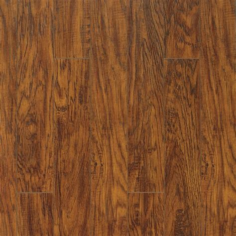 pergo xp highland hickory laminate flooring 13 1 sq ft case the home depot canada