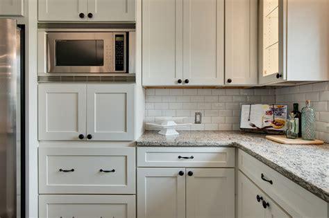 Modern White Shaker Kitchens   Modern   Kitchen