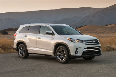 Toyota Highland 2017 Toyota Highlander 8 Things To Motor Trend