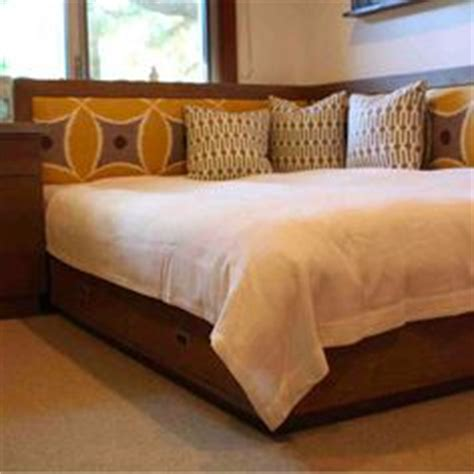 Corner Bed Headboard by Corner Headboard Design Pictures Remodel Decor And Ideas