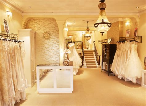 wedding dress shopping tips from fitting room