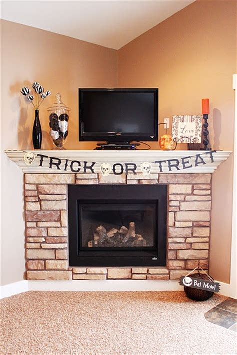 Wall covering; corner fireplace; tv placement   Picmia