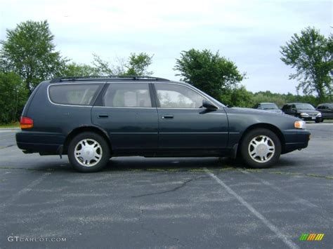 dark green station wagon 1995 dark emerald green metallic toyota camry le v6 wagon