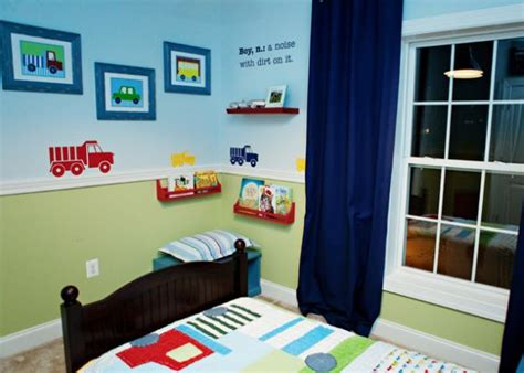 curtains for little boy room 25 best ideas about green boys bedrooms on pinterest