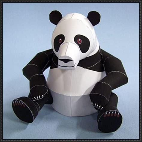 Papercraft Panda - a panda free paper model