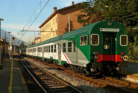 carrozza treno file carrozza semipilota mdvc trenord jpg wikimedia commons
